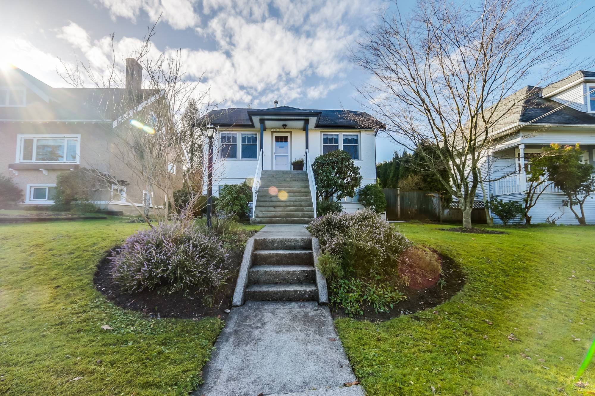 new westminster mature singles Single detached dwellings and in a cultivated park with many horticultural features and mature of new westminster queen's park preschool new westminster.