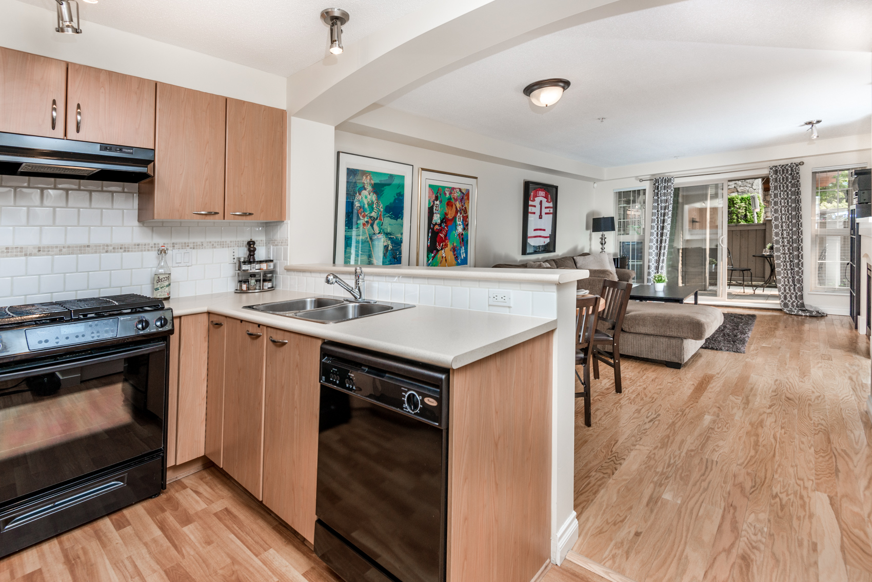Ground Floor Unit Apartment Condo In Westwood Plateau