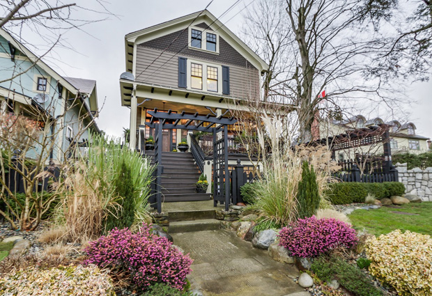 Curb appeal is a big part of staging a successful open house