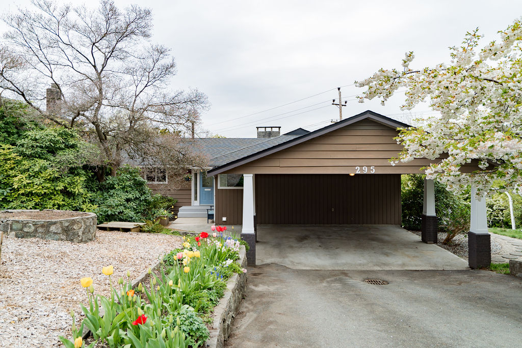 Rancher/Bungalow w/Bsmt. House/Single Family