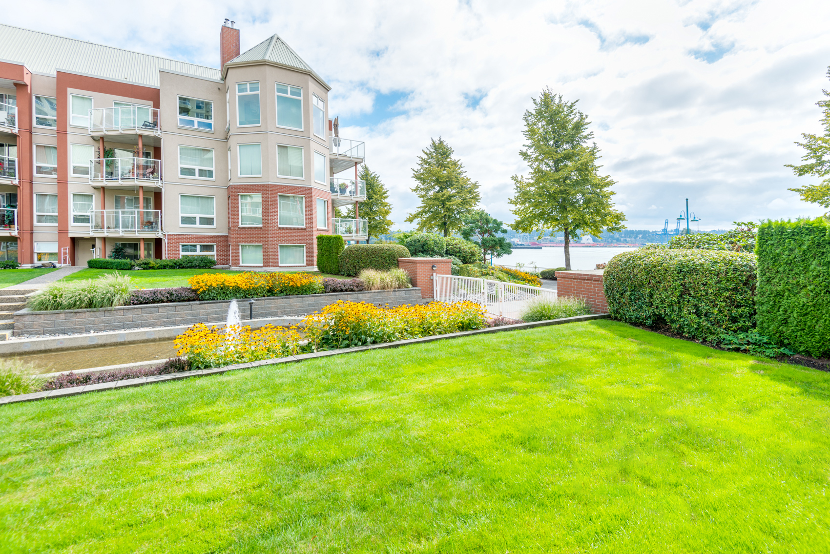 West Quay Floor Plan Loft Penthouse Apartment Condo In The Quay New Westminster